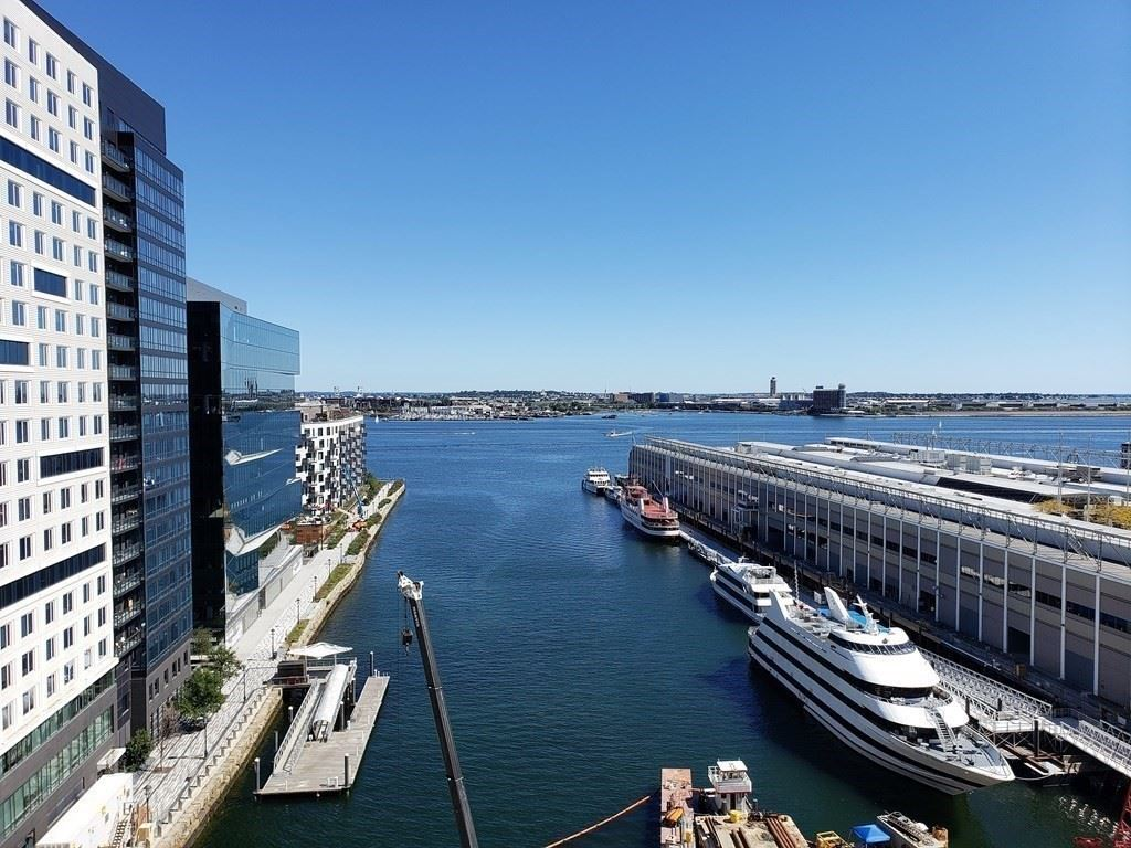 Photo of 133 Seaport #1718, Boston, MA 02210 (MLS # 72723754)