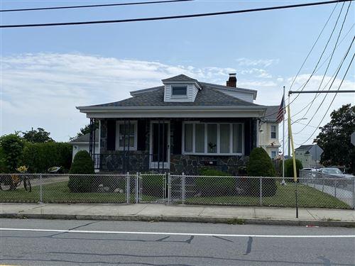 Photo of 560 Dartmouth St, Dartmouth, MA 02748 (MLS # 72894780)