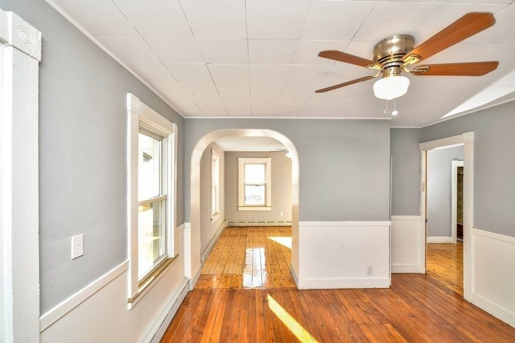 924 County St, New Bedford, MA 02740 - MLS#: 72839793