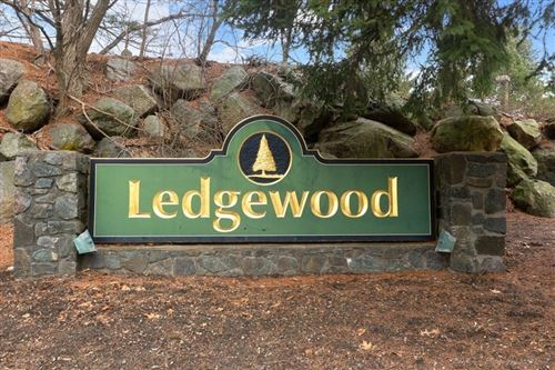 Photo of 4 Ledgewood Way #10, Peabody, MA 01960 (MLS # 72771801)