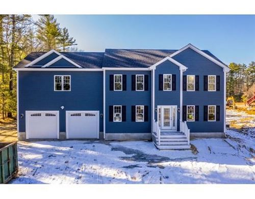 Photo of 404 Chase Road, Dartmouth, MA 02747 (MLS # 72611810)