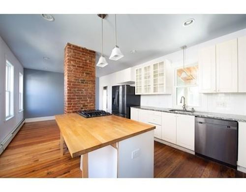 Photo of 36 Oliver St #3, Somerville, MA 02145 (MLS # 72607835)