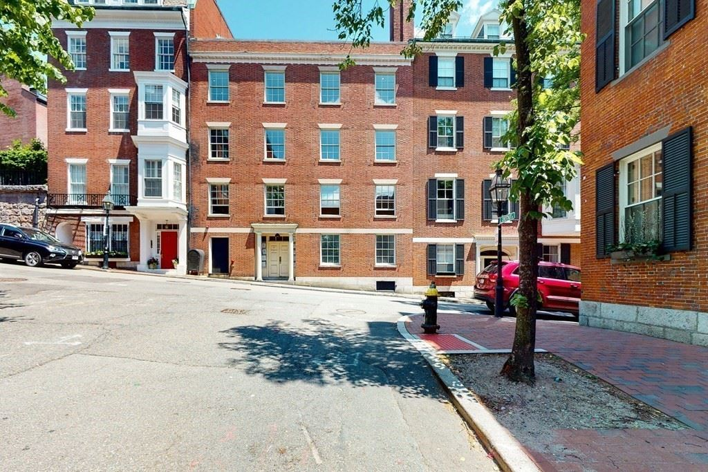 Photo of 10 Walnut Street #3, Boston, MA 02108 (MLS # 72669850)
