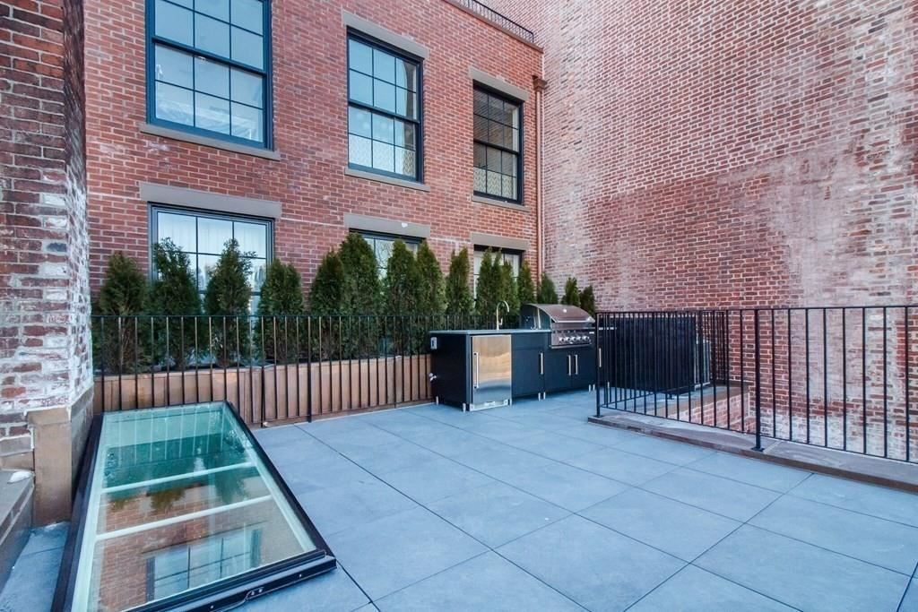 Photo of 75 Beacon Street #A, Boston, MA 02108 (MLS # 72628855)