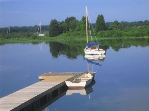 Photo of 2 A Bonneau Ct, Dartmouth, MA 02748 (MLS # 72688884)