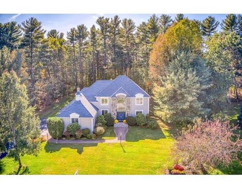 Photo of 17 Buttonwood Drive, Andover, MA 01810 (MLS # 72566902)