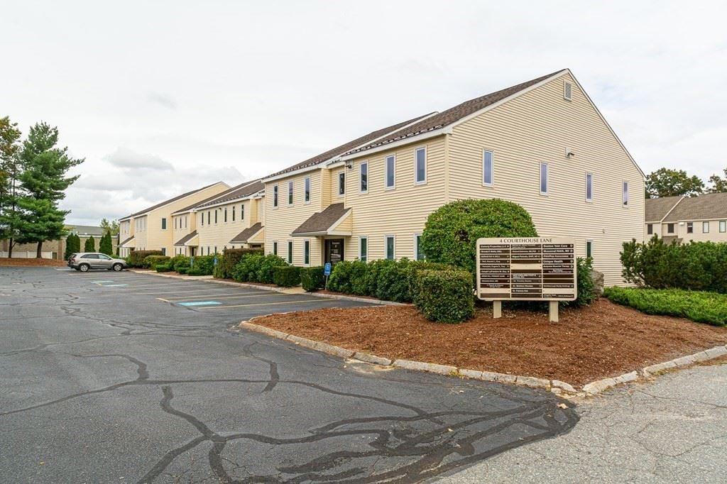 Photo of 4 Courthouse Ln. #3, Chelmsford, MA 01824 (MLS # 72899914)