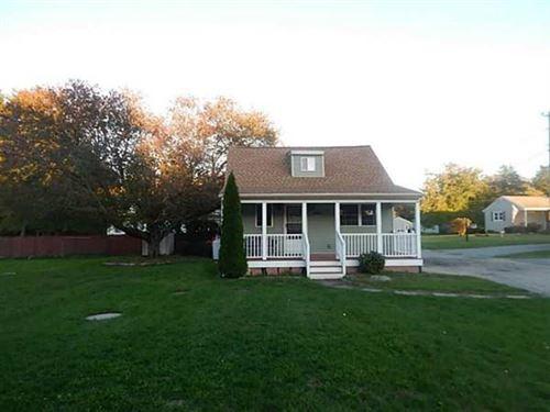 Photo of 1114 Stafford Rd, Tiverton, RI 02878 (MLS # 72677917)