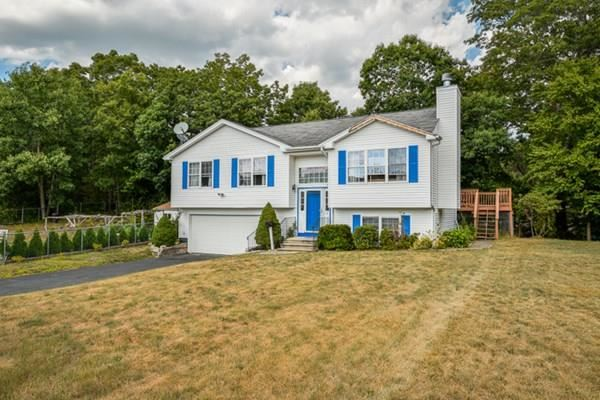 13 Oak Leaf Cir, Worcester, MA 01603 - #: 72704920