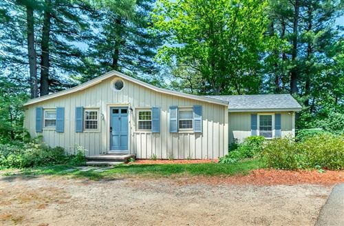 Photo of 4 Hillcrest Rd, Andover, MA 01810 (MLS # 72662952)