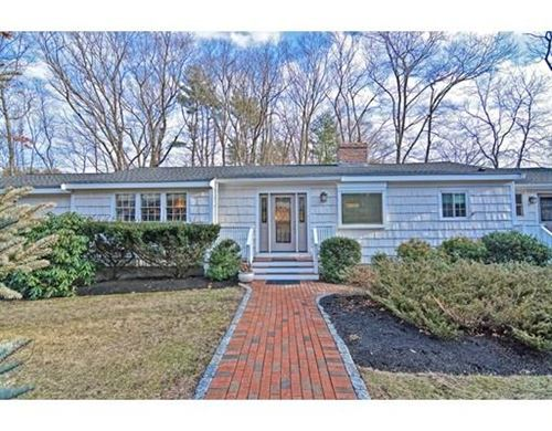 Photo of 9 Hearthstone Dr, Medfield, MA 02052 (MLS # 72605953)