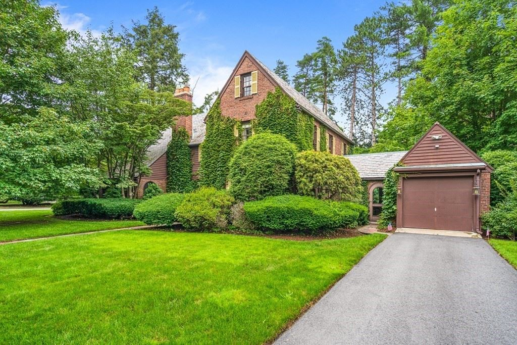 27 Cabot St, Winchester, MA 01890 - MLS#: 72869967