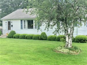 Photo of 135 Meadowview Dr, Pittsfield, MA 01201 (MLS # 223504)
