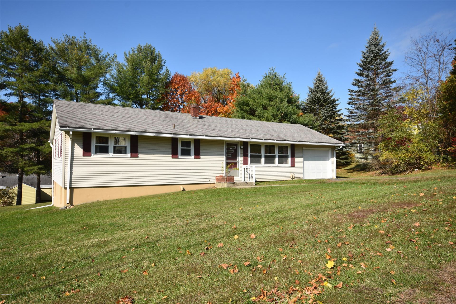 19 Skyview Dr, Pittsfield, MA 01201 - MLS#: 232738