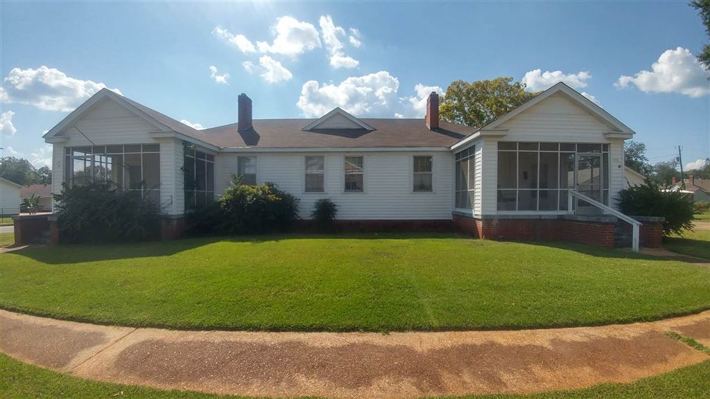 303 WELLS AVE, Talladega, AL 35160 - MLS#: 862167