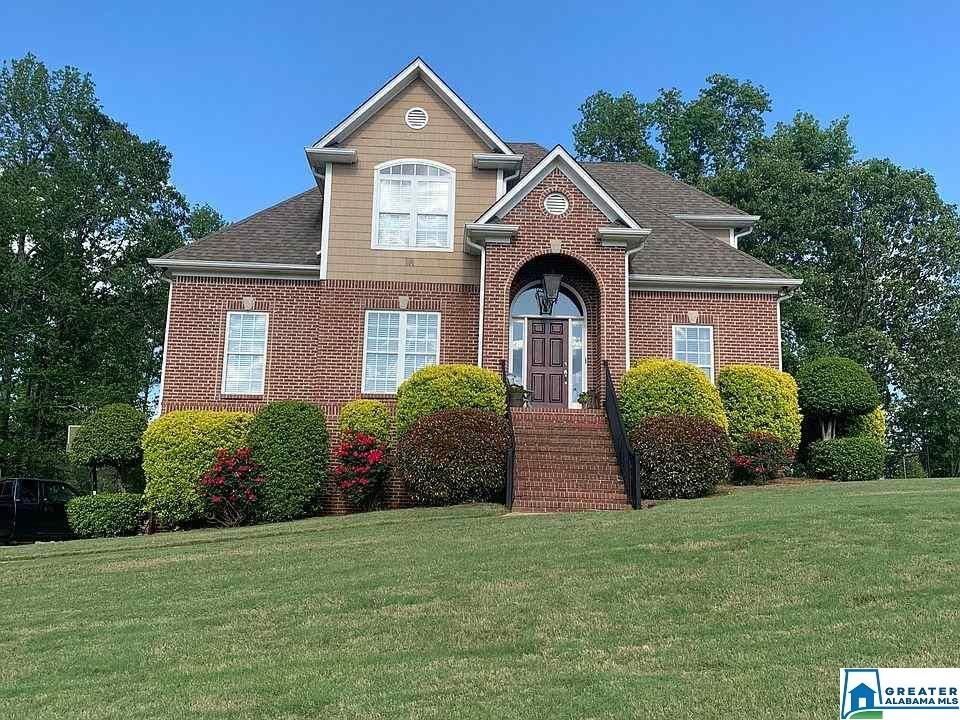 2742 CHESAPEAKE DR, Hueytown, AL 35023 - #: 885276