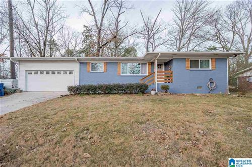 Photo of 1912 BUTTERCUP DR, HOOVER, AL 35226 (MLS # 1274433)
