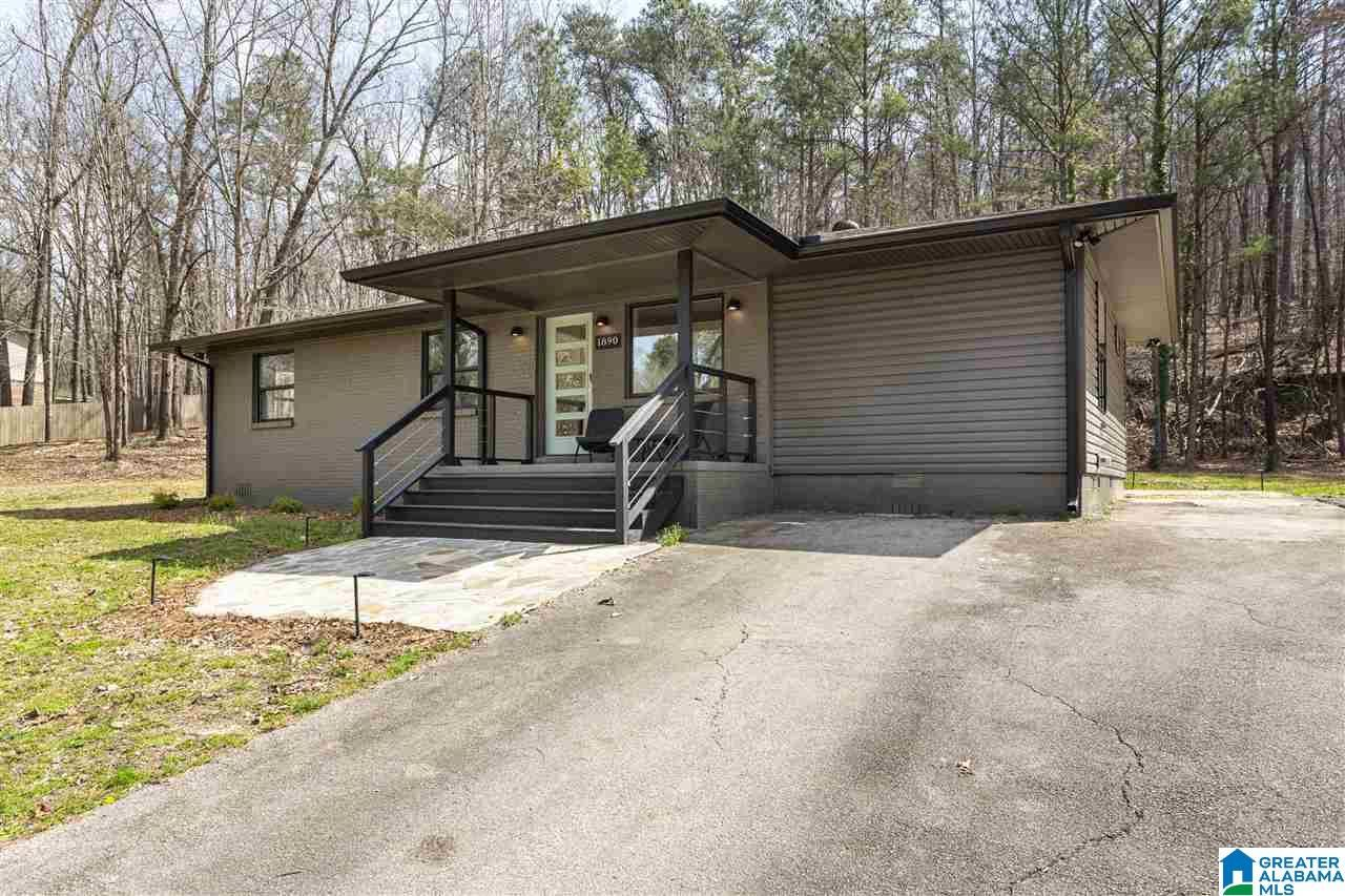 1890 REX LAKE RD, Leeds, AL 35094 - MLS#: 1278464