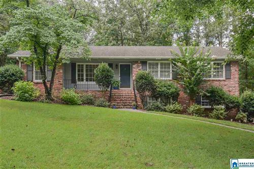 Photo of 3422 FLINTSHIRE DR, HOOVER, AL 35226 (MLS # 891592)