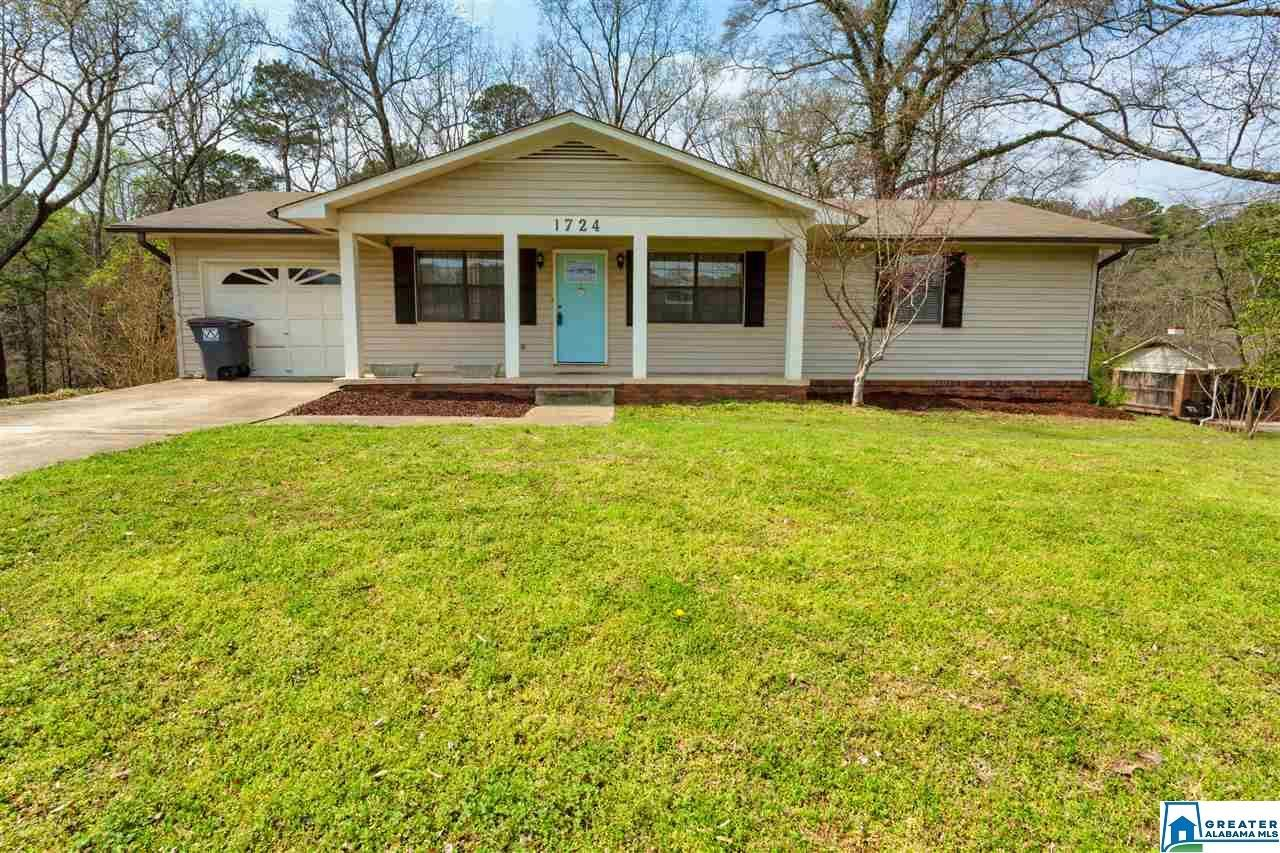 1724 LAUREL LN, Gardendale, AL 35071 - MLS#: 877616