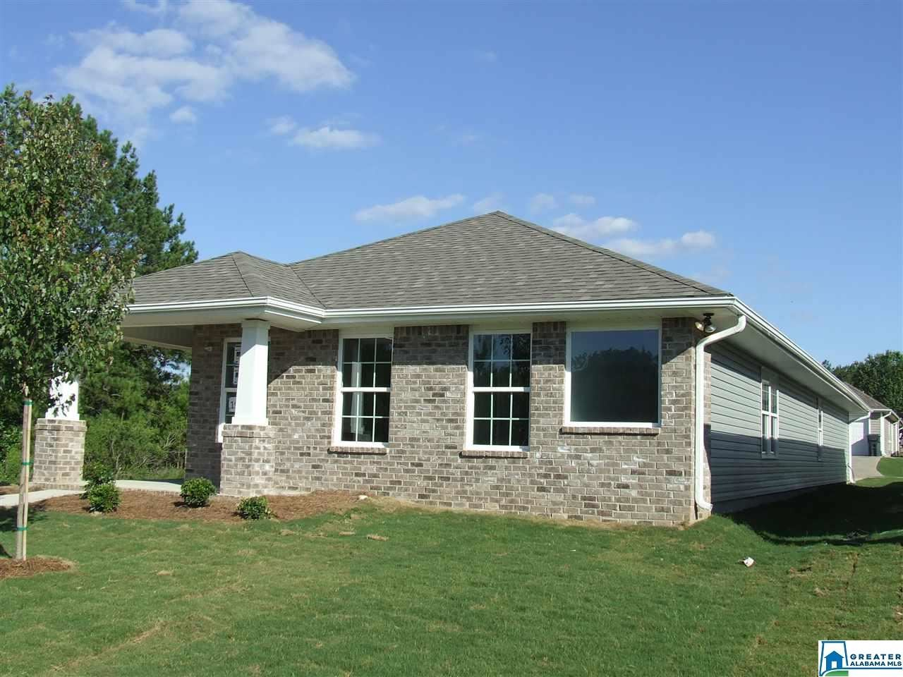 348 VILLAGE DR, Calera, AL 35040 - MLS#: 860985