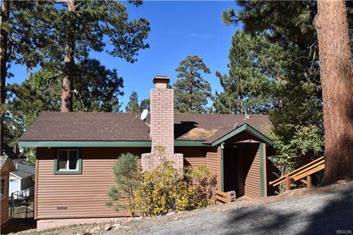 Photo of 544 Vista Lane, Big Bear Lake, CA 92315 (MLS # 32002009)