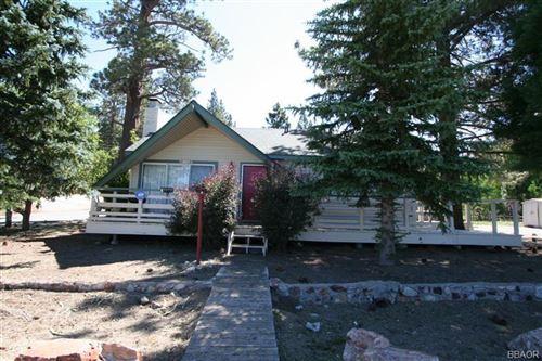 Photo of 42912 Moonridge, Big Bear Lake, CA 92315 (MLS # 32004020)