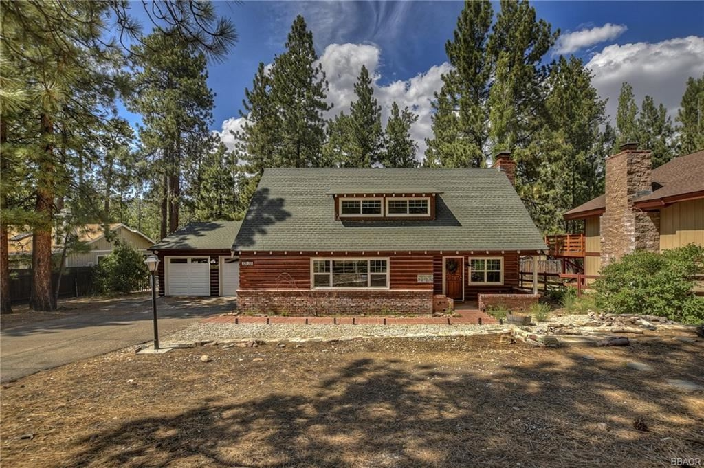 Photo of 39184 Buckthorn Road, Big Bear Lake, CA 92315 (MLS # 32104031)