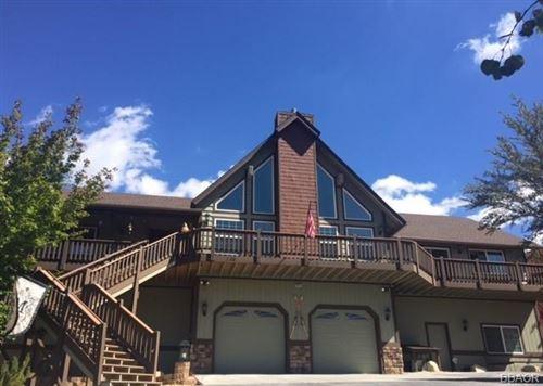 Photo of 305 Starlight Circle, Big Bear Lake, CA 92315 (MLS # 32004033)