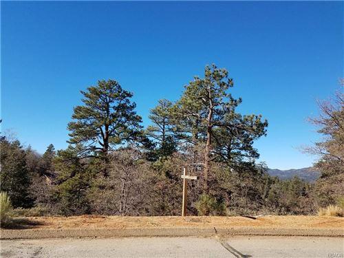 Photo of 0 Klamath, Big Bear Lake, CA 92315 (MLS # 32100034)