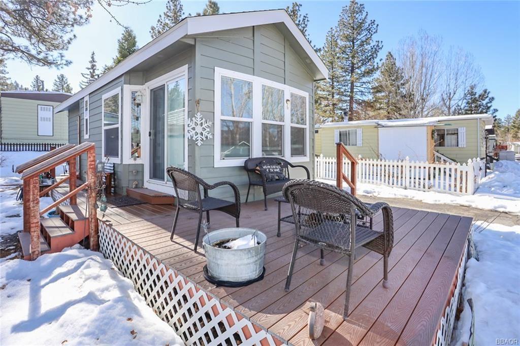 Photo of 547 Alden Road #6, Big Bear Lake, CA 92315 (MLS # 32100041)
