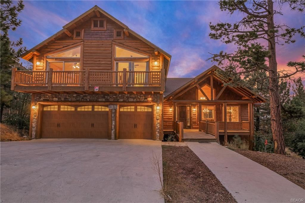 Photo of 882 Sky High Drive, Big Bear Lake, CA 92315 (MLS # 32004042)
