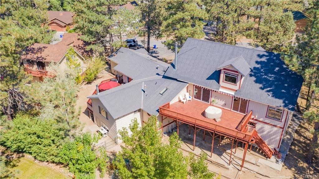 Photo of 188 S Finch Drive, Big Bear Lake, CA 92315 (MLS # 32004045)