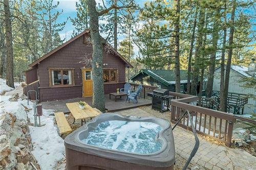 Photo of 868 Highland Lane, Big Bear Lake, CA 92315 (MLS # 32100052)