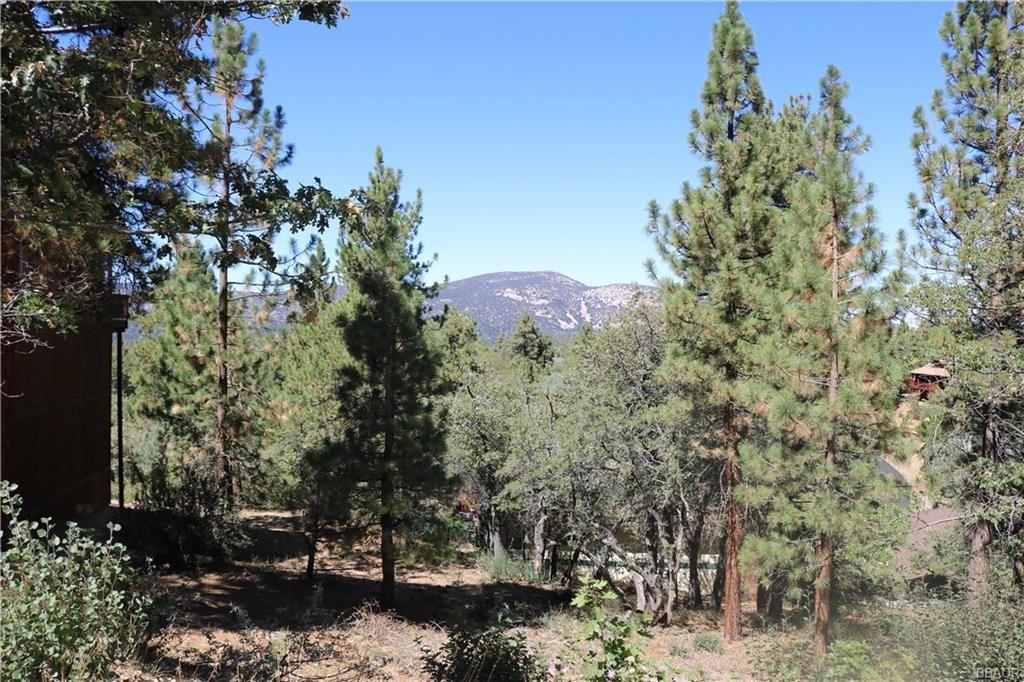Photo of 1408 Klamath Road, Big Bear Lake, CA 92315 (MLS # 32108057)