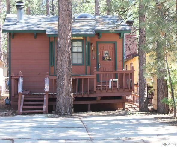 Photo of 42613 La Placida Avenue, Big Bear Lake, CA 92315 (MLS # 32002060)