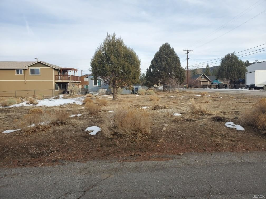 Photo of 898 Fir Lane, Big Bear City, CA 92314 (MLS # 32100060)