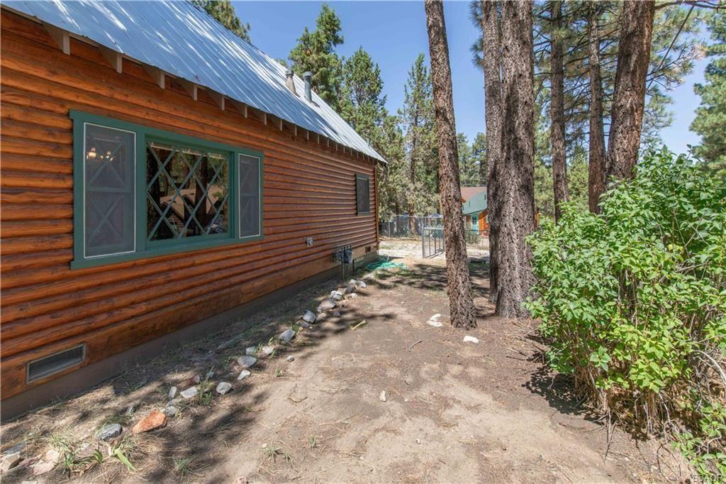 Photo of 521 Booth Way, Big Bear City, CA 92314 (MLS # 32108060)