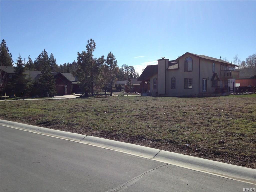 Photo of 296 Pinto/Meadow Circle, Big Bear Lake, CA 92315 (MLS # 31909061)