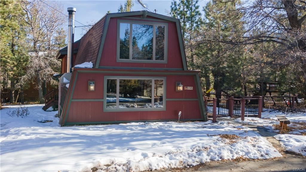 Photo of 1598 Trinity Court, Big Bear City, CA 92314 (MLS # 32100063)