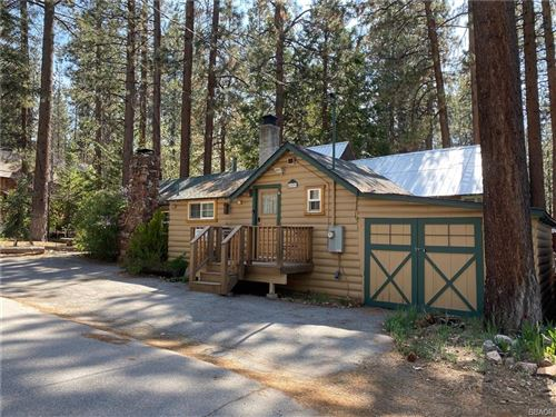 Photo of 42598 La Cerena Avenue, Big Bear Lake, CA 92315 (MLS # 32104067)