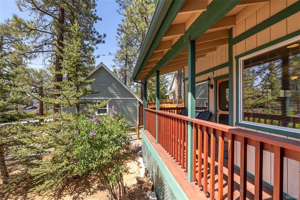 Photo of 203 Knoll Road, Big Bear Lake, CA 92315 (MLS # 32104079)
