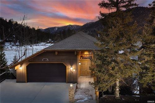 Photo of 623 Cove Drive, Big Bear Lake, CA 92315 (MLS # 32000081)