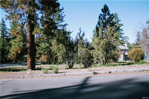Photo of 940 Antelope Mountain, Big Bear City, CA 92314 (MLS # 32104090)