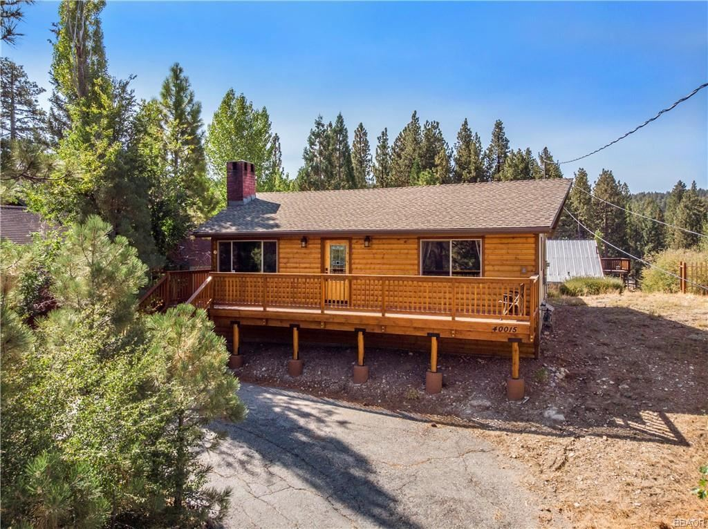Photo of 40015 Hillcrest Drive, Big Bear Lake, CA 92315 (MLS # 32004090)
