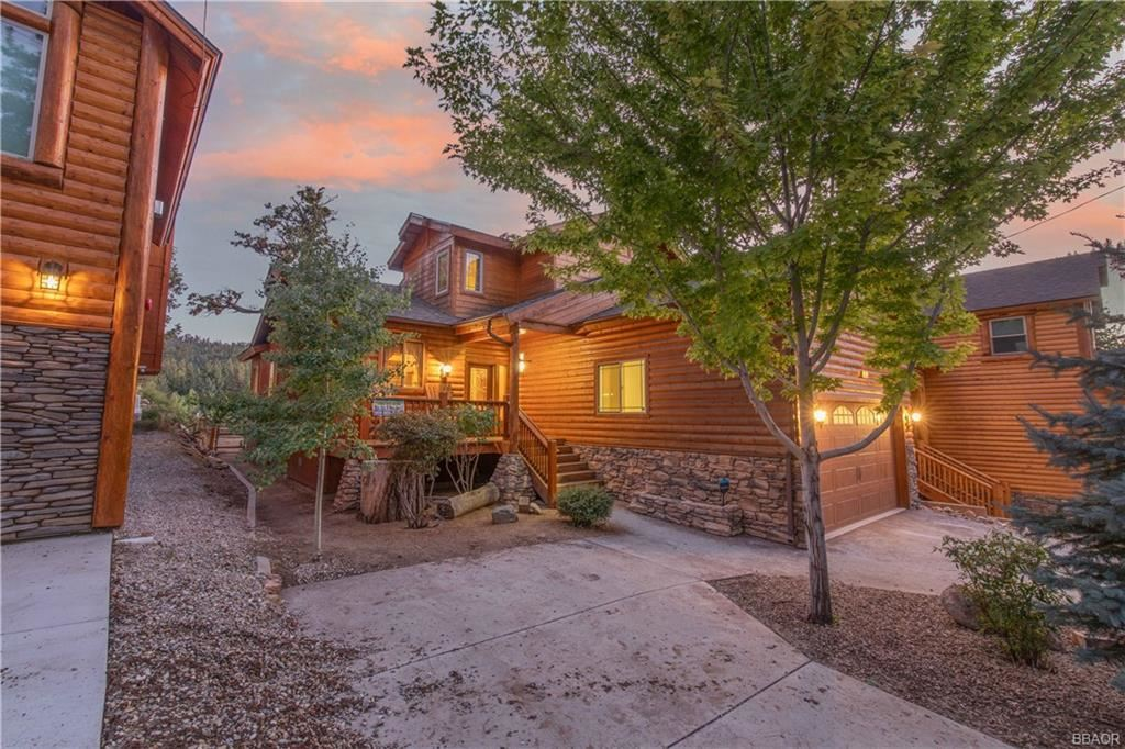 Photo of 42753 Cougar Road, Big Bear Lake, CA 92315 (MLS # 32108093)