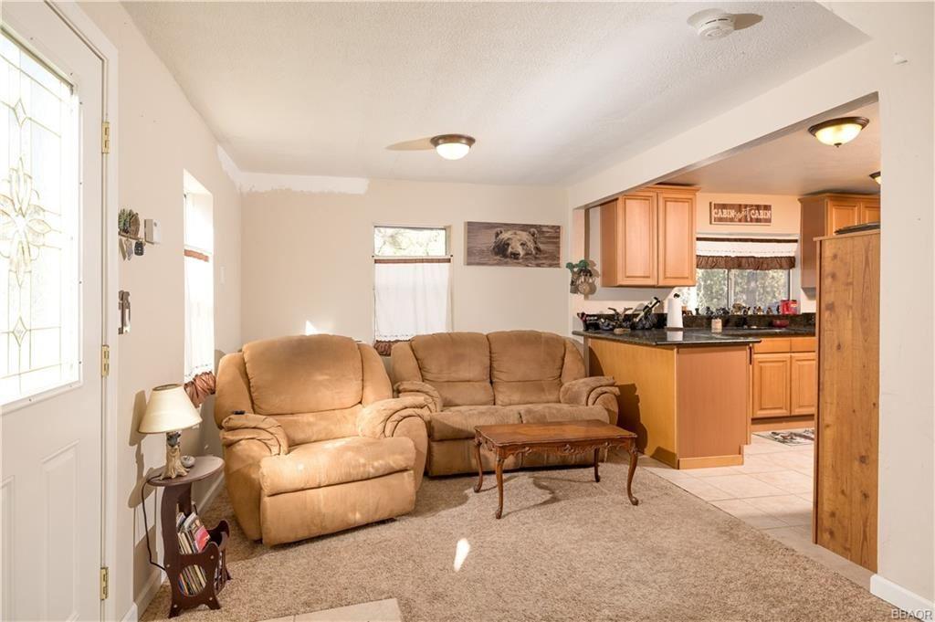Photo of 665 Knight Avenue, Big Bear Lake, CA 92315 (MLS # 32100095)