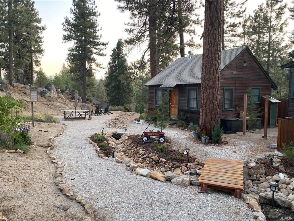 Photo of 39319 Cedar Dell Road, Fawnskin, CA 92333 (MLS # 32100098)