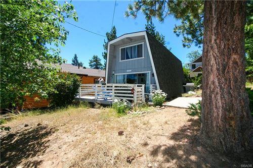 Photo of 40343 Cliff Lane, Big Bear Lake, CA 92315 (MLS # 32108099)