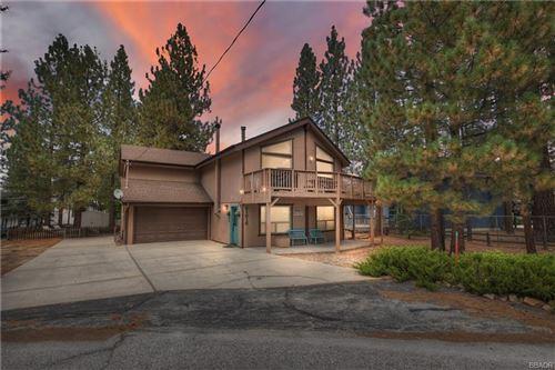 Photo of 41616 Hummingbird Lane, Big Bear Lake, CA 92315 (MLS # 32108106)